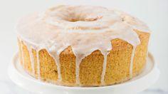 Extra moist thanks to Yoplait vanilla yogurt, this Orange Vanilla Yogurt Pound Cake includes the taste of fresh-squeezed OJ. Yogurt Pound Cake Recipe, Pound Cake Recipes, Pound Cakes, Just Desserts, Delicious Desserts, Dessert Recipes, Oreo, Yummy Treats, Sweet Treats