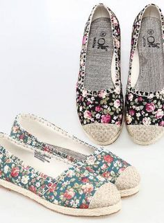 Casual Urban Flat Shoes from UsTrendy. Saved to Things I want as gifts. Cute Flats, Cute Shoes, Me Too Shoes, Cold Wear, Hipster Shoes, Floral Shoes, Walk In My Shoes, Pumps, Heels