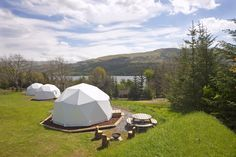 http://www.lochtay-vacations.co.uk/accommodation/glamping/glamping-domes/