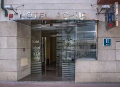 Hotel Achuri Miranda de Ebro The Hotel Achuri is conveniently located opposite the train and bus station in the centre of Miranda de Ebro. The simple rooms come with free Wi-Fi and air conditioning.  Drinks and snacks are available from the vending machines at Achuri Hotel.