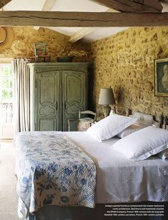 20 Inspiration With Curtain Country Bedroom - All Bedroom Design French Country Rug, French Country Bedrooms, French Cottage, French Country Decorating, Country Cottage Bedroom, Country Cottage Interiors, Vintage Country, White Bedroom Furniture, Bedroom Decor