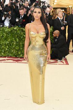 Ким Кардашьян в Versace