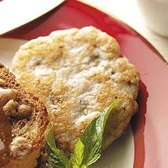 """Turkey Breakfast Sausage Patties Recipe -""""I experimented with so many spices to… Turkey Breakfast Sausage, Breakfast Sausage Recipes, Turkey Sausage, Breakfast Dishes, Eat Breakfast, Brunch Recipes, Ground Sausage, Ground Turkey, Patties Recipe"""
