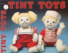VTG TINY TOTS SOFT SCULPTURE DOLLS CLOTHES PATTERN BOOK Girl Boy GP-470 ~ UNCuT