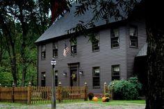 primitive homes decorations Exterior Paint Colors For House, Paint Colors For Home, Exterior Colors, Exterior Design, Siding Colors, Paint Colours, Black Trim Exterior House, Gray Exterior, Colonial House Exteriors