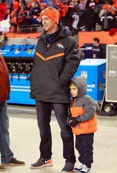 Peyton and Marshall Manning Go Broncos, Denver Broncos Football, Broncos Fans, Best Football Team, Football Players, Football Baby, Football Memes, Sport Football, John Elway