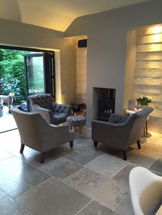 This lovely lounge features a softly tumbled limestone flagstone and looks amazing.