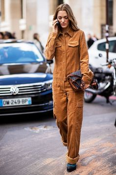 Sofia Sanchez De Betak wearing brown corduroy overall is seen outside Sacai during Paris Fashion Week Womenswear Spring/Summer 2019 on October 1 Fashion Week, New Fashion, Trendy Fashion, Winter Fashion, Fashion Outfits, Womens Fashion, Fashion Trends, Fashion 2016, Italian Fashion