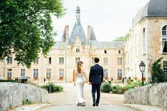 Croquembouche cakes and sparklers and smiles, OH MY! After our welcome cruise along the Seine, we ventured out to the French Countryside to the very fist Chateau we visited on our Chateau tour, D'Esclimont. We knew the moment we visited that this would be our.... Continue reading →