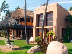 Rancho Beach Resort es un magnífico hotel que cuenta con la receta perfecta para unas vacaciones memorables en el bello Mazatlán.    Disfruta de éstas increíbles playas en la Zona Dorada de Mazatlán y déjate consentir por la calidez y tranquilidad de un lugar como este, lejos del ruido, cerca del mar, con el mejor servicio de la zona.