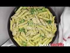Op zoek naar een lekkere pasta die ook nog eens snel klaar is? Maak dan deze heerlijke pasta met broccoli, pesto en kip in roomsaus! Zoals je in de video ziet super makkelijk en je zet 'm in no time op tafel.Wij presenteren jullie hét ultieme 30 minuten gerecht. Sterker nog, dit is in 20 minuten klaar. Buon appetito! Risotto, Pesto Pasta, Italian Recipes, Love Food, Macaroni, Barbecue, Cabbage, Easy Meals, Food And Drink