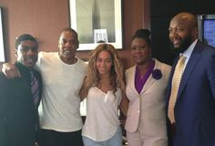 Beyonce and Jay Z snapped a picture with Trayvon Martin's family while showing their support at a rally in NYC