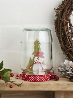 Add a touch of nostalgia to your home with Zoë Patching's jam jar snow globes! Diy Christmas Baubles, Christmas Jam, Beautiful Christmas Decorations, Christmas Snow Globes, Christmas Origami, Christmas Lanterns, Christmas Things, Christmas Countdown, Diy Christmas Costumes