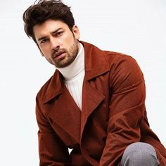 Turkish Men, Turkish Actors, Hot Actors, Actors & Actresses, Business Casual Men, Men Casual, Mens Turtleneck, Men Sweater, Alina Boz