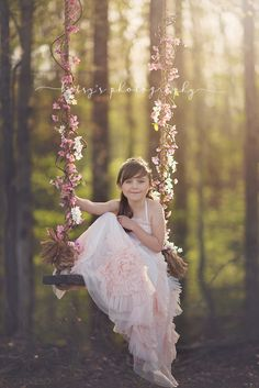 Picture for toddler awww – girl photoshoot ideas Swing Photography, Photography Mini Sessions, Toddler Photography, Summer Photography, Creative Photography, Portrait Photography, Fairy Photoshoot, Photoshoot Ideas, Girl Photo Shoots