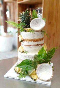 Bright, colorful and unusual, this is exactly how a tropical wedding cake should be. The best tropical wedding cake trends are collected in our gallery. Types Of Wedding Cakes, Amazing Wedding Cakes, Hawaii Wedding Cake, Long Table Wedding, Cake Trends, Tropical Party, Wedding Cake Designs, Beautiful Cakes, No Bake Cake