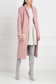 Однотонное пальто Araida - Классическое пальто светлого розового цвета из коллекции российского бренда Araida в интернет-магазине модной дизайнерской и брендовой одежды