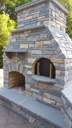 Outdoor DIY Pizza Oven and Fireplace by BrickWood Ovens Outdoor DIY Pizzaofen und Kamin von BrickWoo Outdoor Grill, Brick Oven Outdoor, Pizza Oven Outdoor, Outdoor Cooking, Outdoor Fireplace Brick, Outdoor Fireplace Designs, Backyard Fireplace, Backyard Kitchen, Outdoor Kitchen Design
