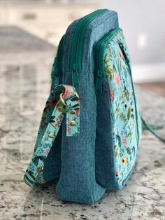 Best 12 Glacier Crossbody bags pattern by Emmaline Bags for March 2019 Bag of the Month Club Patchwork Bags, Quilted Bag, Bag Patterns To Sew, Sewing Patterns Free, Emmaline Bags, Sew Wallet, Skirts For Kids, Craft Bags, Cotton Bag