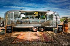 Food Rings Ideas & Inspirations 2017 - DISCOVER Now this is the way to do cocktails! A tricked out custom Airstream as a mobile bar. Catering Trailer, Food Trailer, Catering Food, Food Trucks, Coffee Carts, Coffee Shop, Airstream Trailers, Airstream Camping, Travel Trailers