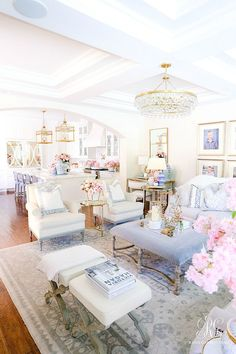 Southern Charm Inspired Spring Home Tour - Randi Garrett Design Family Room Decorating, Family Room Design, Decorating Your Home, Southern Decorating, Decorating Ideas, White Family Rooms, Apartment Decoration, Home Improvement Loans, Transitional Living Rooms