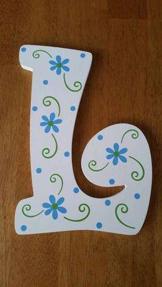 Painting Wooden Letters, Paper Mache Letters, Diy Letters, Letter A Crafts, Painted Letters, Wood Crafts, Diy And Crafts, Paper Crafts, Letter Door Hangers