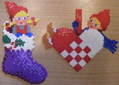Billedresultat for hama mini perler christmas Perler Bead Designs, Hama Beads Design, Fuse Bead Patterns, Beading Patterns, Cross Stitch Patterns, Christmas Perler Beads, Christmas Crafts, Christmas Decorations, Christmas Christmas