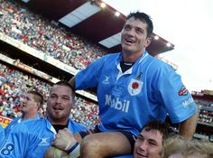 To the best scrum half in South Africa - Joost Van Der Westhuizen Rugby League, Rugby Players, South Africa Rugby, Australian Football, Team Photos, People Of The World, Gal Gadot, Soccer, Real Men