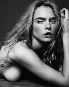 Changeling: Cara Delevingne by Simon Emmett for Esquire UK, September Cara Delevingne Photoshoot, Cara Delvingne, Mädchen In Bikinis, Famous Photographers, Most Beautiful Women, Simply Beautiful, Look Fashion, Fashion Models, Black And White Photography
