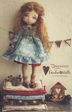 Купить Брусничка - брусничный, голубой, коричневый, девочка, ягодка, скворечник, гирлянда, детство, текстильная кукла