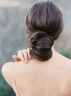 Simple, elegant chignon created by hair and makeup artist Makenzi Laine | Photo by Jenna McElroy