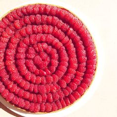 Tarte aux framboises de Cedric Grolet Desserts Roses, Food Illustrations, Biscuits, Pie, Fruit, Cooking, Ethnic Recipes, Chefs, Birthday