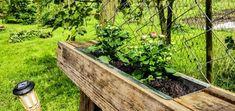 Tolle Idee um alte Paletten zu bepflanzen - kleine verzinkte Blumenkästen. #Reuse #Gartenzeit #Wildlfowers #Upcycling