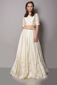 A sophisticated, fashionable and beautifully crafted collection by Shikha & Nitika. Check the collection and shop for your favourite(s) #shikhanitika #elegant #embroidered #ethnic #cottonsilk #graceful #indiandesigner #indianfashion #wedding #perniaspopupshop #happyshopping