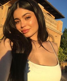 Aunt on duty: Kylie Jenner cradles niece Dream Kardashian in cute clip Kylie Jenner Outfits, Kendall E Kylie Jenner, Trajes Kylie Jenner, Looks Kylie Jenner, Kylie Jenner Style, Kylie Jenner Pictures, Kyle Jenner, Estilo Kylie Jenner, Kardashian Jenner