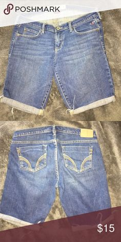 Hollister shorts sz 5 Hollister shorts sz 5 Hollister Shorts Bermudas