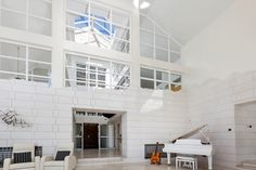 There are amazing acoustics in this property.