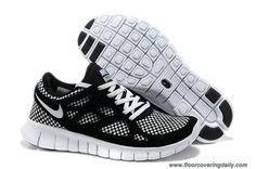 b6fbed4bf23 New Nike Free Run 2 541016-002 Woven Liberty Black White Mens Free Running  Shoes