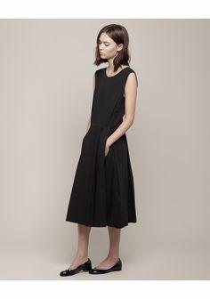 Margaret Howell / Inverted Pleat Dress