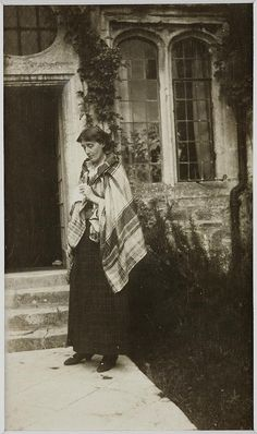 Virginia Woolf at Garsington Manor in 1917 #virginiawoolf