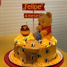 Bolo Flash, Bolo Mickey, Winnie The Pooh Cake, Baby Birthday Cakes, Cupcakes, Ice Cream Desserts, Cake Designs, Cake Toppers, Baby Shower