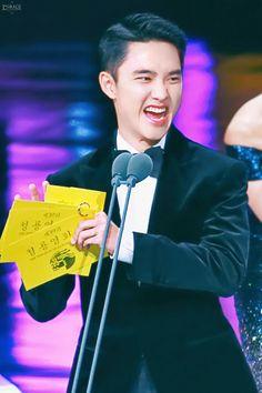 181123 @ The Blue Dragon Awards When You Smile, Your Smile, Kyungsoo, Chanyeol, Exo Music, Exo Group, Kim Minseok, Korean People, Do Kyung Soo