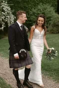 Chic Wedding, Wedding Bride, Wedding Gowns, Dream Wedding, Wedding Dress Styles, Bridal Dresses, Bridesmaid Dresses, Groom And Groomsmen Kilts, Marquee Wedding Receptions