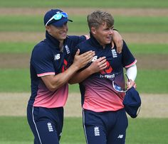 Curran Brothers Involved In Funny Banter After Northamptonshire's Promotion To Division 1 – Quick News Tom Curran, England Cricket Team, Dance Logo, Quick News, Dhoni Wallpapers, Test Cricket, Class Games, Chennai Super Kings, Premier League