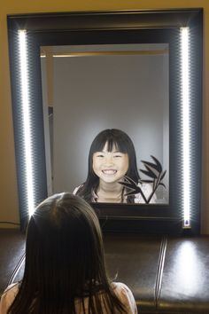 This slim and quality make up vanity mirror LED light package has touch sensor on each light. It's great for lighting up your make-up mirror. It gives you a professional and clean look while you doing
