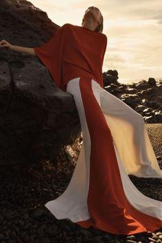 "L'Express Styles February 2016 ""Au-dessous du Volcan"" photography Emma Tempest model Toni Garrn fashion editor Mika Mizutani hair Alessandro Rebecchi mu Sandra Cooke via wasd / smile Foto Fashion, Trendy Fashion, High Fashion, Fashion Beauty, Fashion Outfits, Fashion Trends, Style Fashion, Toni Garrn, Fashion Photography Inspiration"