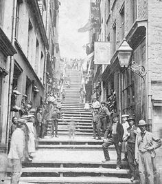An old Canadian picture. You can clearly see an apparition in the middle. Old Quebec, Quebec City, Photos Du, Old Photos, Chute Montmorency, Chateau Frontenac, Saint Roch, Le Petit Champlain, Excursion