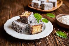 Sladké cukroví – ale bez cukru! | dobrakondice.cz Food Cakes, Creme Brulee, Pavlova, Australian Desserts, Ambrosia Recipe, Baking Company, Dessert Cake Recipes, Seafood Restaurant, New Recipes