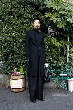 STREET SNAP | Shinji | BLXXKK | - love the trousers!