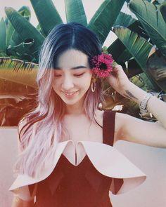 Irene Kim, Role Models, Fashion Beauty, Hair Styles, Instagram, Templates, Hair Plait Styles, Hair Makeup, Hairdos